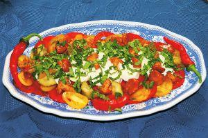 Tomaten mit Mozzarella und Pilzen
